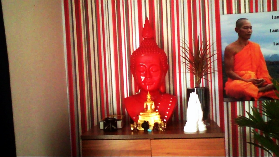 The red Buddha rupa was a gift from my aunty, the golden rupa was a gift from my Sri Lankan Kalyāṇa-mittatā when we met in Thailand last year, the far left and far right rupas were gifts from my twin nieces, the rupa second the right was from my mum, and the black rupa was a gift to myself! Also included are the Majjhima Nikaya, the Namaste gift from my mum, and an essential oil burner regularly filled with tangerine :)